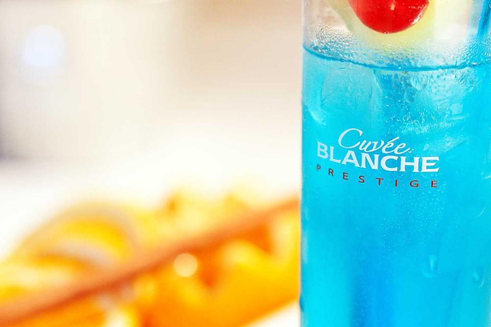 Dzama Cocktail Café Antananarivo : Blue Tsingy